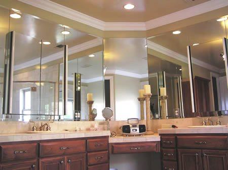 Large vanity with wrap mirrors 232