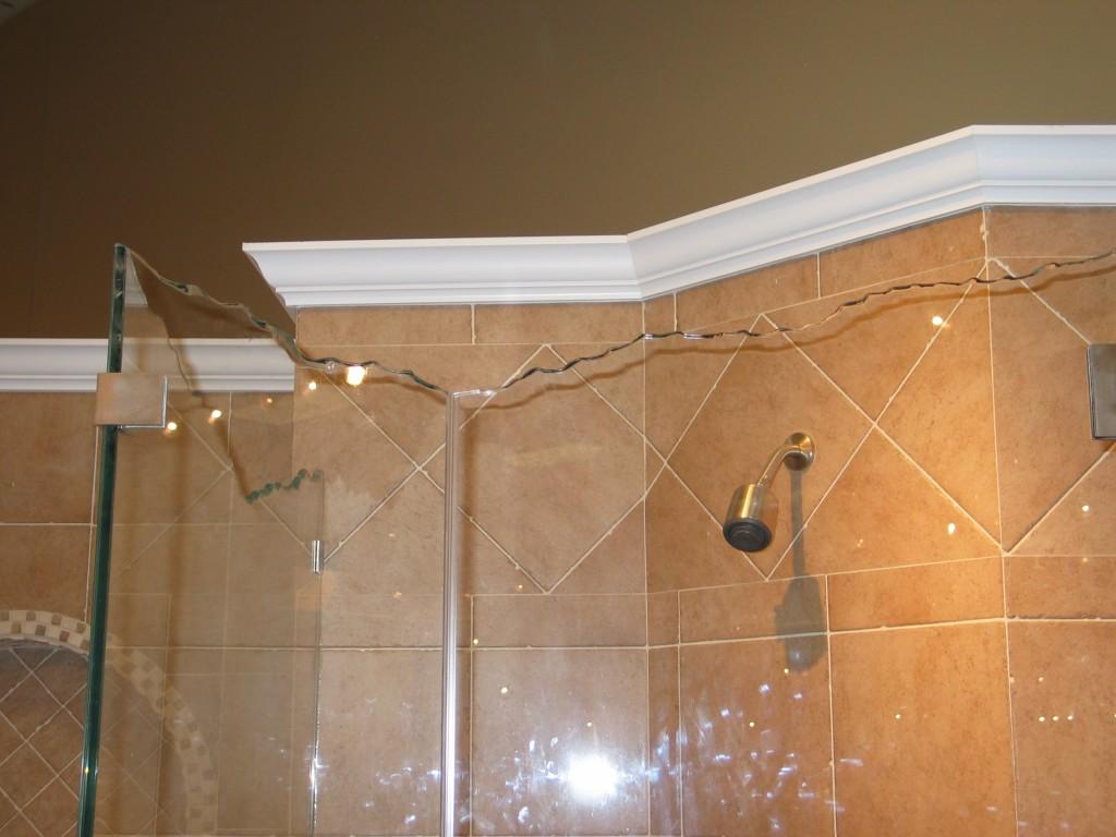 Glass - Shower Enclosure IMG_18471-1024x768